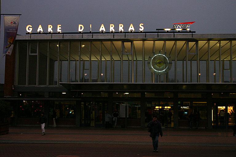 http://photoenligne3.free.fr/PasdeCalais/Arras/Gare/N1945.jpg